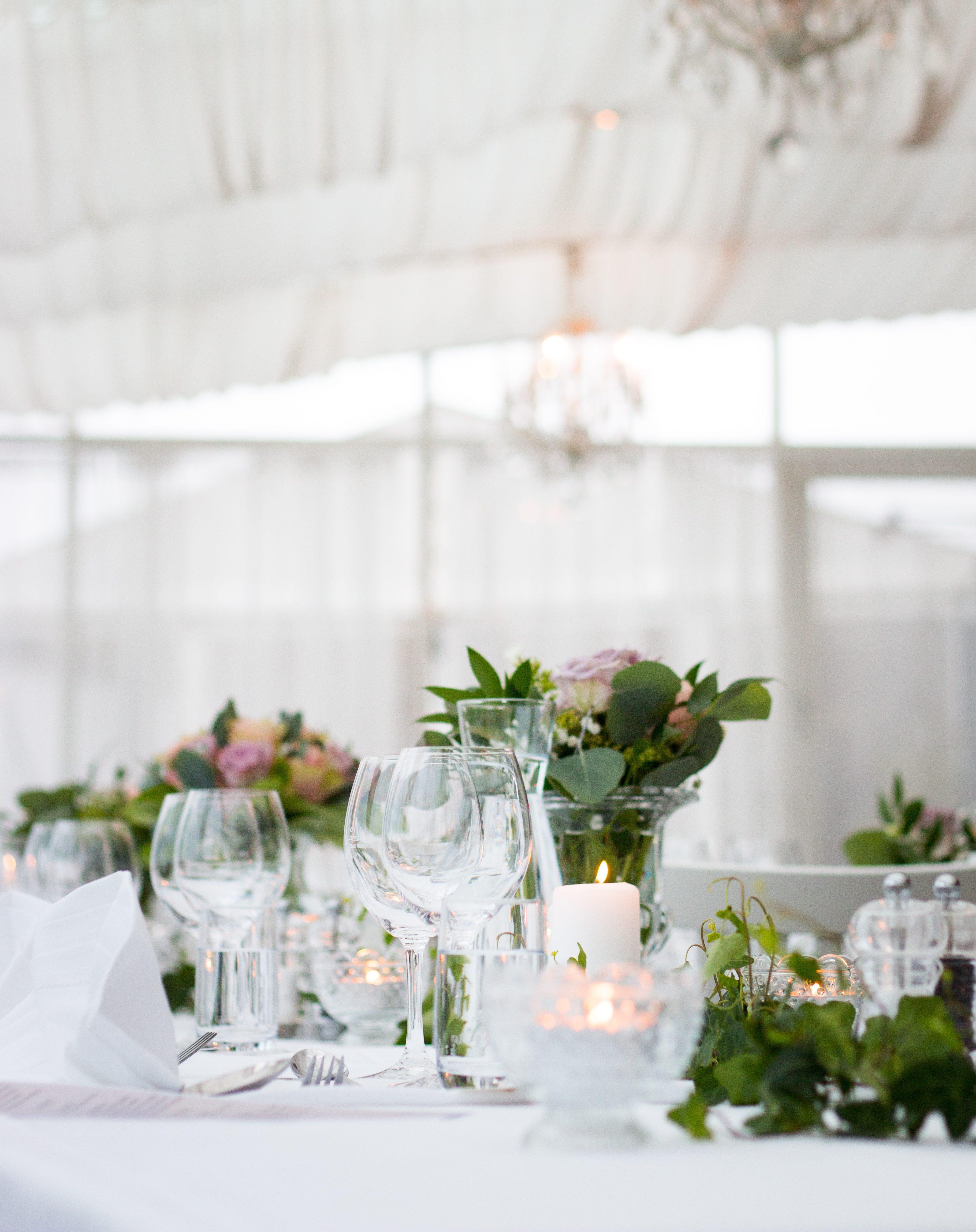 Tisch dekoriert für die Feier